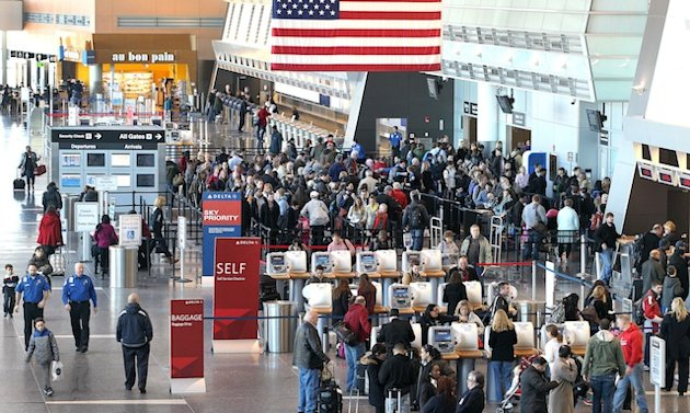 With planes waiting, Congress fixes delays