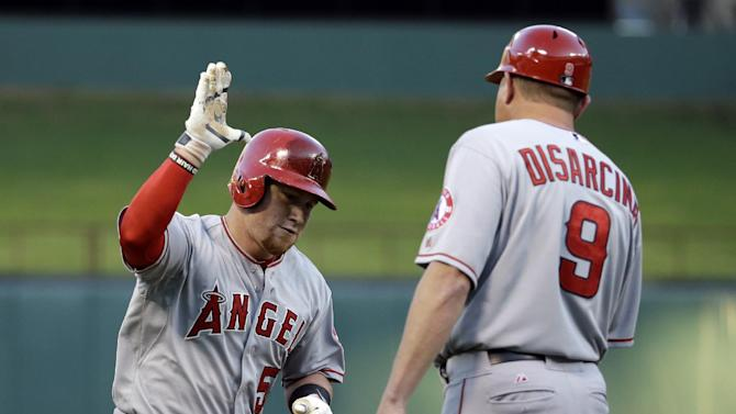 Angels win 6th game in a row, 9-3 over Rangers