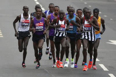 London Marathon 2015 results: Eliud Kipchoge, Tigist Tufa win 35th annual race
