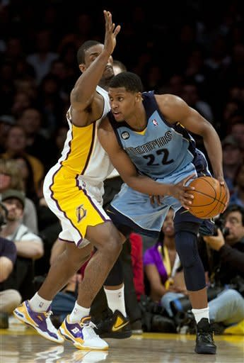 Gay, Mayo help Grizzlies beat Lakers 102-96