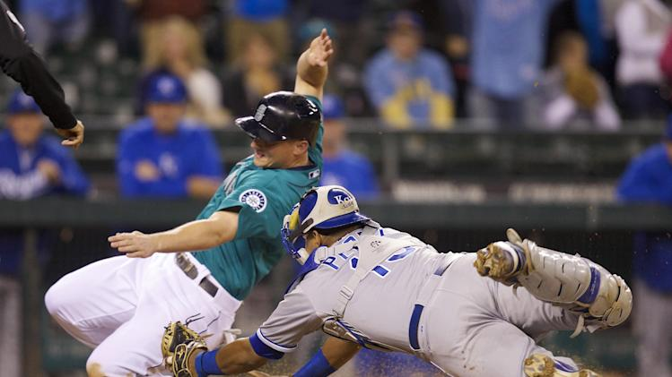 Perez, Gordon lift Royals over Mariners 6-5 in 12