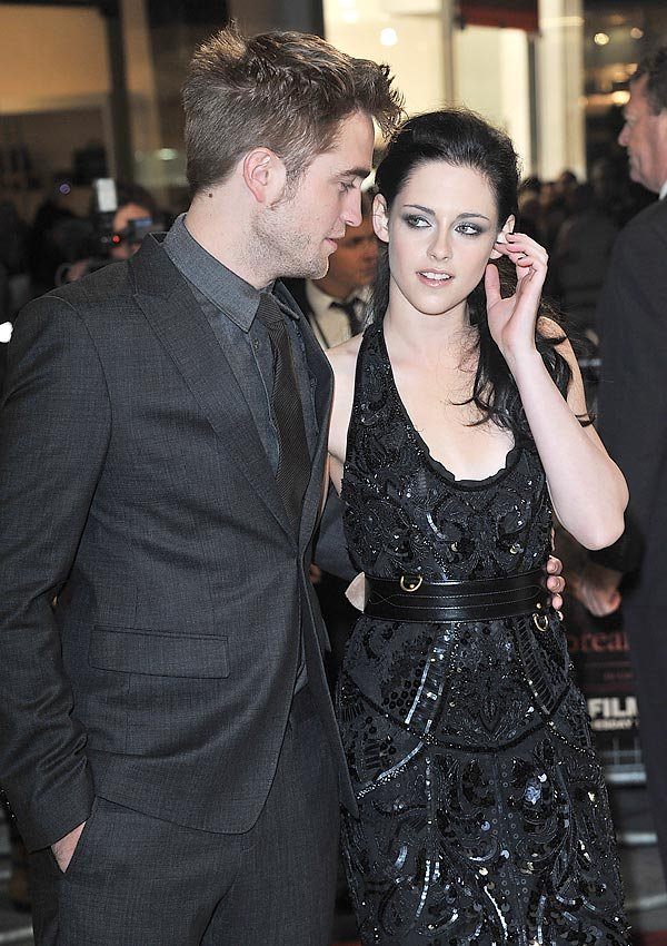 Kristen Stewart Attacked By Fans For Allegedly Cheating On Robert Pattinson