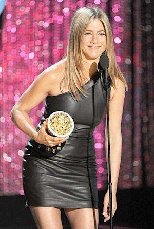 Jennifer Aniston Wins Best On-Screen Dirtbag at 2012 MTV Movie Awards