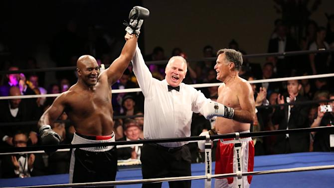 Mitt Romney lasts 2 rounds against Holyfield in boxing match
