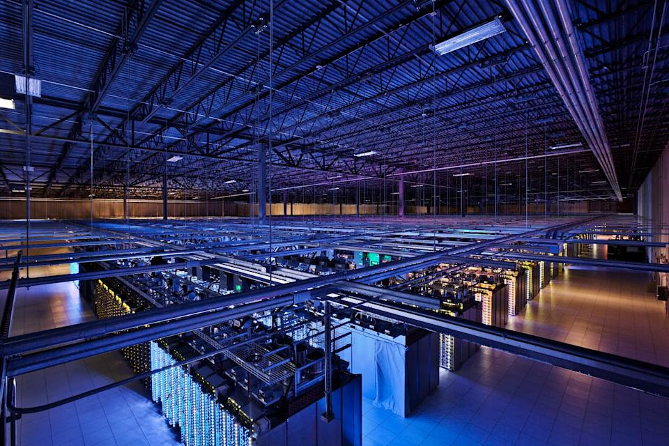 Report: NSA broke into Yahoo, Google data centers