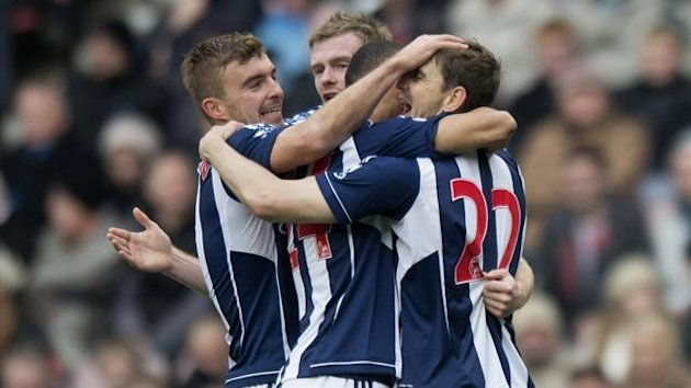 West Bromwich Albion&#39;s Zoltan Gera (right) celebrates scoring his sides first goal of the game against Sunderland