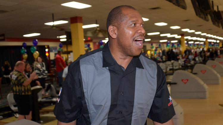 NFL: Super Bowl XLVII-NFL Foundation Celebrity Bowling Classic