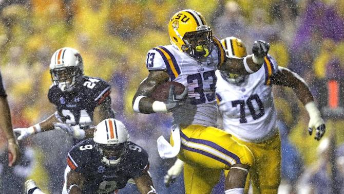 No. 6 LSU unsettled by lapse as Georgia looms