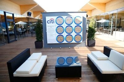 USG Pixels™ in Citi's Every Step of the Way® Signature Steps Installation