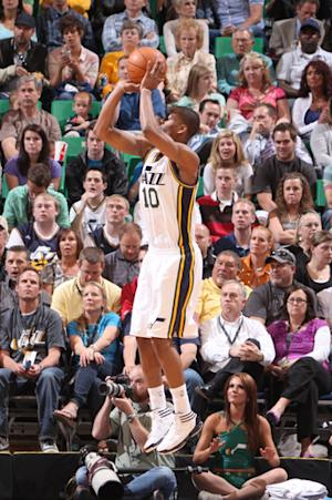 Rookie Burks, dunk champ Evans lift Jazz 96-94