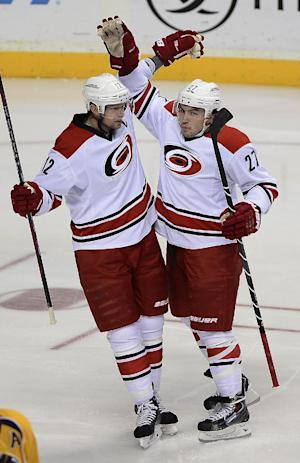 Hurricanes topple Predators 5-2