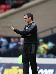 Pat Fenlon hopes his Hibernian side do not become complacent