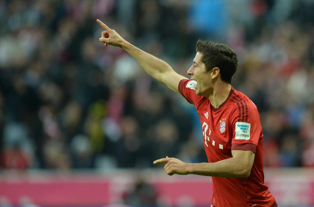 Lewandowski nets again as Bayern go seven clear