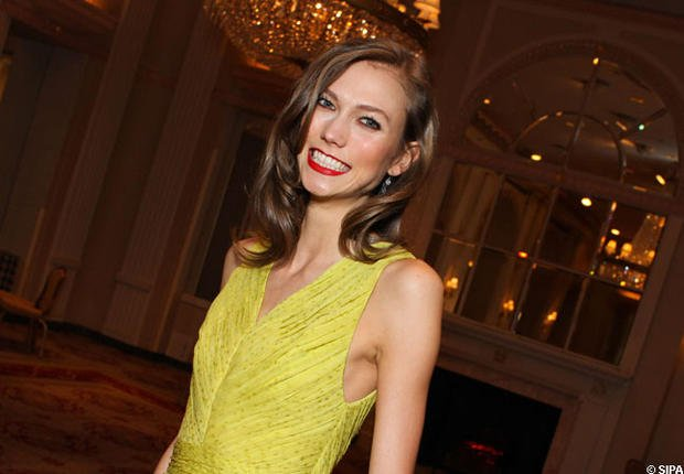 Karlie Kloss : Le top est intronis chez Victorias Secret