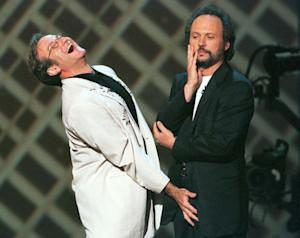 BILLY CRYSTAL AND ROBIN WILLIAMS ON STAGE AT COMIC RELIEF.