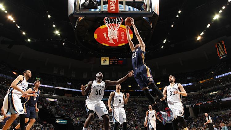 Davis lifts Pelicans over Grizzlies 95-92