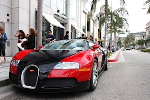 Be sure to bring your best set of wheels to Rodeo Drive. (Damian Morys Foto / Flickr )