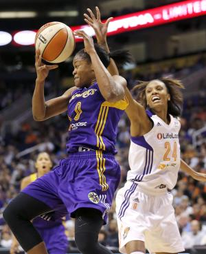 Parker's double-double leads Sparks past Mercury