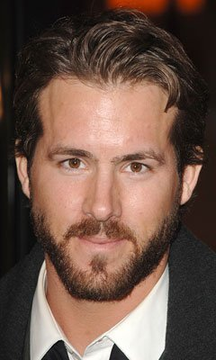 Ryan Reynolds at the Hollywood premiere of Universal Pictures' Smokin' Aces