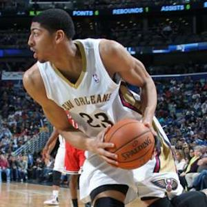 Davis, Evans Lead Pelicans Past Bucks