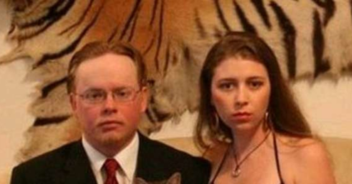 23 Prom Photos That Went Horribly Wrong