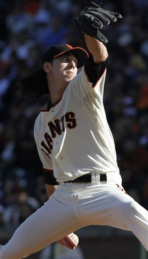 Hudson, Janish lead Braves to 7-1 win over Giants