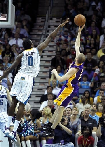 Gasol leads Lakers past Hornets, 93-91