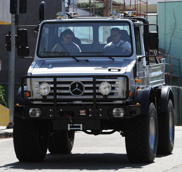 > Arnold Schwarzenegger gets the keys to a $250,000 Mercedes Unimog - Photo posted in Whipz 'n Stereos (vehicles, sound systems) | Sign in and leave a comment below!