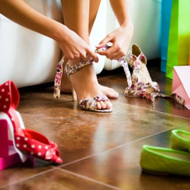 Shoe-shopping_web