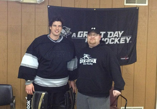 Sidney Crosby plays goalie in ball hockey league, shocking Pittsburgh rec players