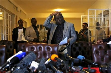 Zimbabwe's Prime Minister Morgan Tsvangirai gestures during a news conference in Harare August 3, 2013. REUTERS/Siphiwe Sibeko