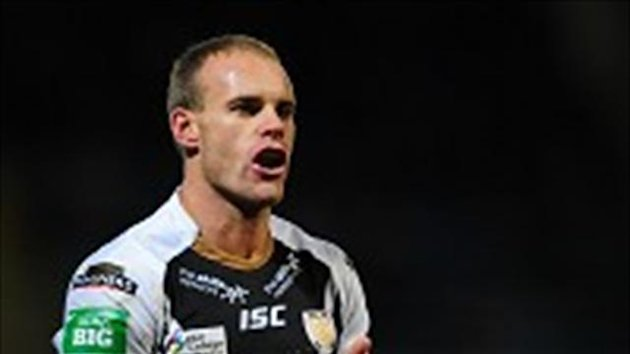 Daniel Holdsworth scored 12 points as Hull beat Bradford
