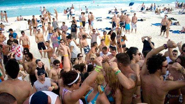 Texas Warns Spring Breakers to Steer Clear of Mexico