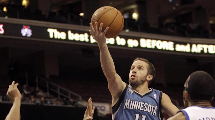 Barea, Love lead T'wolves over 76ers, 125-102