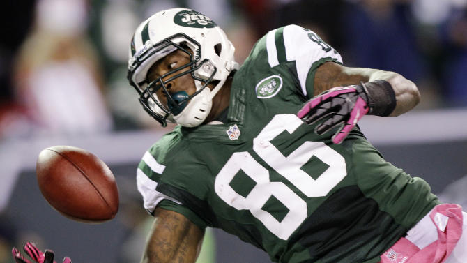 New York Jets tight end Jeff Cumberland (86) catches a touchdown pass during the first half of an NFL football game against the Houston Texans, Monday, Oct. 8, 2012, in East Rutherford, N.J. (AP Photo/Kathy Willens)