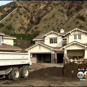 Family Hit By Mudslide Receives Helping Hand In Neighborhood