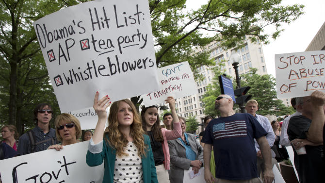 Protesters rally over IRS' tea party scrutiny