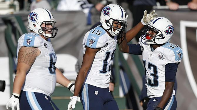Wright, Hunter showing receiving chops for Titans