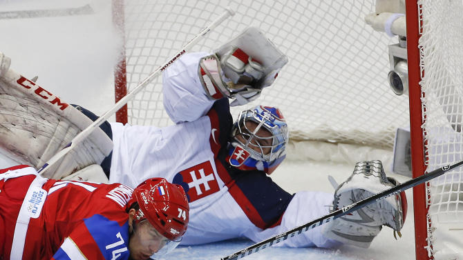 Russia survives shootout with Slovakia 1-0