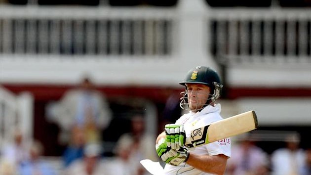 AB de Villiers scored a first-innings century as South Africa heaped misery on Pakistan