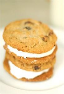 Oatmeal Raisin Cinnamon Buttercream Sandwich Cookies