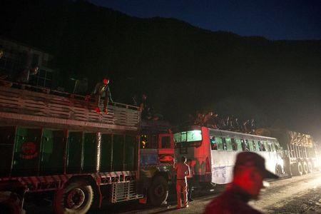 Angry Nepalis wait for quake help as death toll passes 4,000