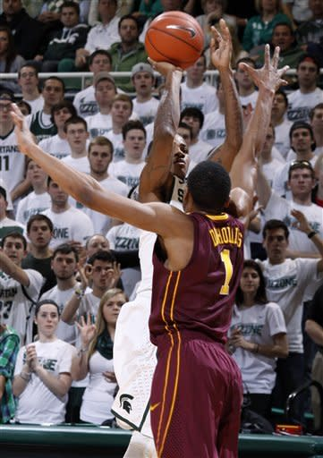 No. 12 Michigan State beats No. 18 Minnesota 61-50