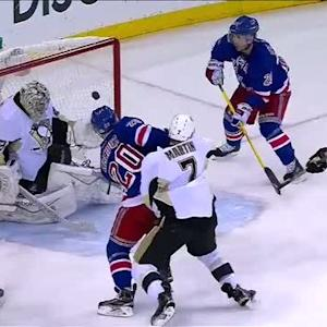 Nash tallies late goal on Fleury
