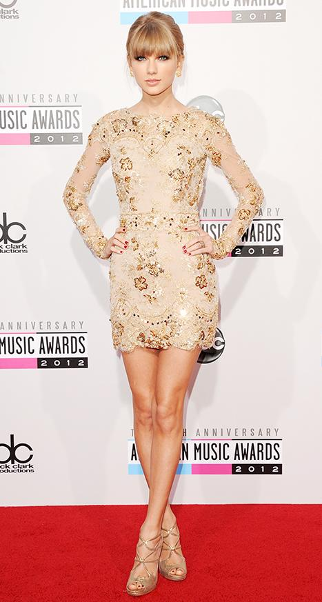 American Music Awards 2012: See Taylor Swift's Three Sexy Looks