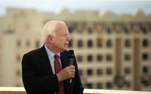 http://l3.yimg.com/bt/api/res/1.2/iKnpi6d4GJlk3hDVqBsuBg--/YXBwaWQ9eW5ld3M7Zmk9aW5zZXQ7aD0zMjA7cT04NTt3PTUxMg--/http://media.zenfs.com/en_us/News/theatlanticwire/Syrian_Rebels_Told_John_McCain-1a53acc02275efdc18130e59a24c8f34
