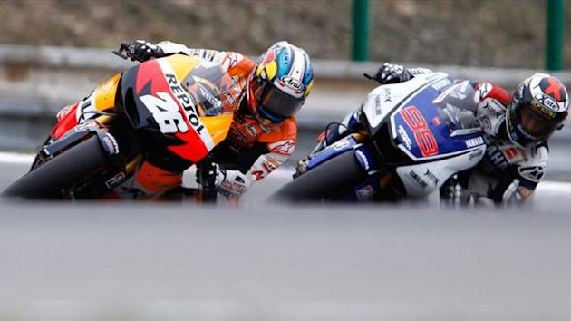 Dani Pedrosa y Jorge Lorenzo peleando en el circuito de Brno
