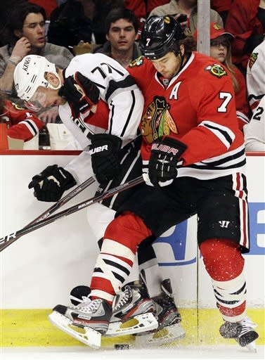 Richards lifts Kings past Blackhawks in shootout