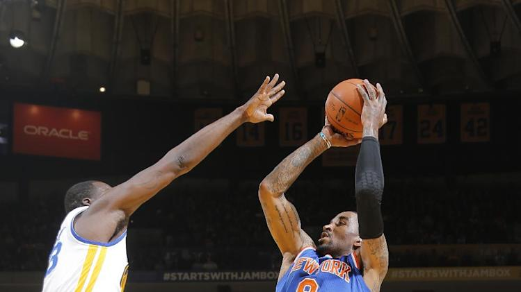Knicks beat Warriors 89-84, eye final playoff spot