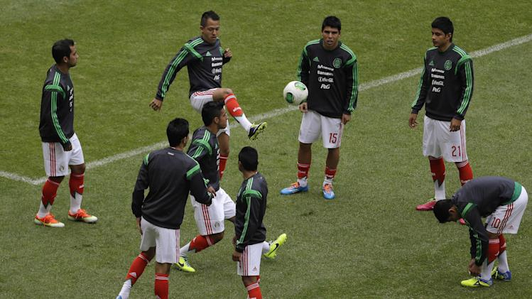 Mexico Soccer Players